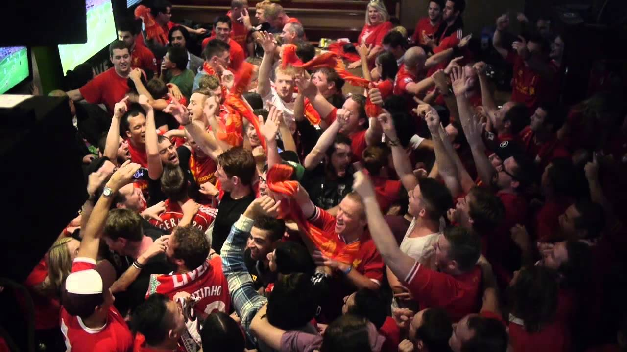 manchester  Cheers vs city Sydney LiverpoolFC 13/04/14 Bar