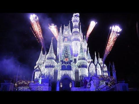 A Frozen Holiday Wish At Magic Kingdom, Cinderella Castle Lighting 2019 W/Anna, Elsa, Olaf, Kristoff