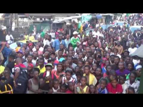 MAAHLOX LE VIBEUR en concert à DOUALA ( CAMEROUN )