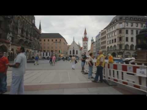 Munich, Glockenspiel at Marienplatz Square, Hofbrauhaus, Germany