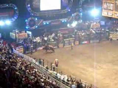 Pbr rodeo at madison square garden youtube - Bull riding madison square garden ...