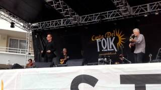 The Oyster Band @ Costa del Folk Mallorca singing Here comes the Flood,