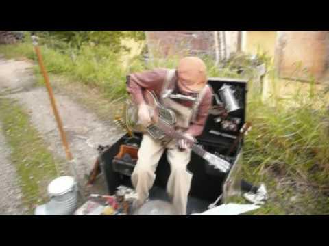 Sebastopol One Man Band - That's All Right Mama (tricone blues version)