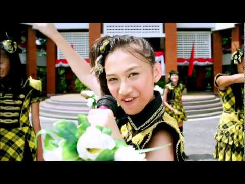 "JKT48 ""Heavy Rotation"" Music Video Digest"