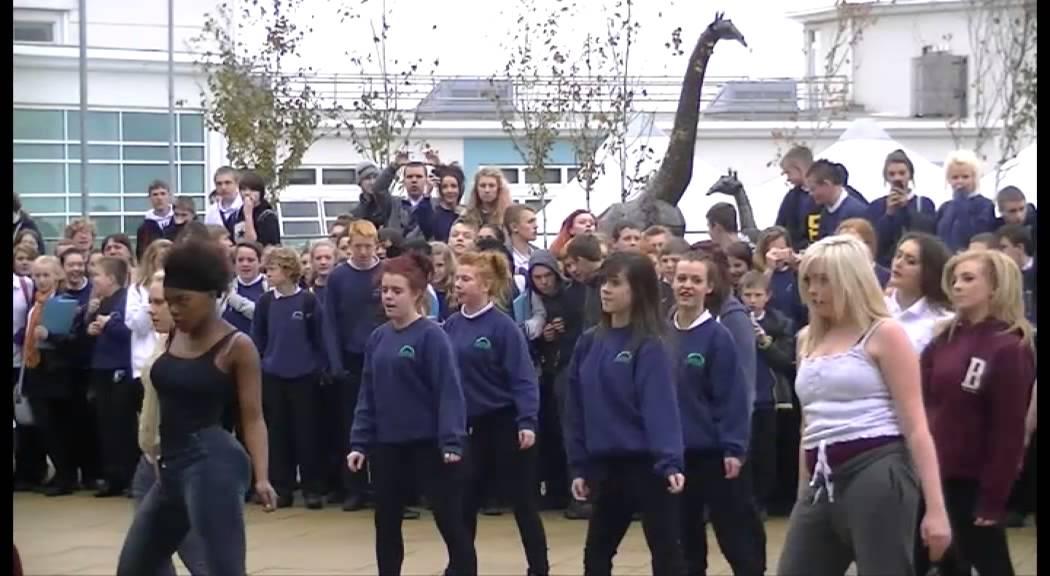 Kenton School Thriller Flash Mob - YouTube Michael Jackson Thriller Video Dance