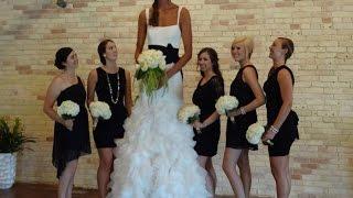Гимнастка зажигает на свадьбе