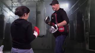 Pacquiao's Most Dangerous and Effective Boxing Move #PacquiaovsThurman