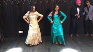 Nakhreya Mari | Miss Pooja | Bhangra Performance In College | Farewell Bhangra By Sahila Karra