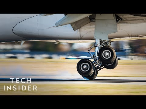 Why Airplane Takeoffs And Landings Are So Dangerous