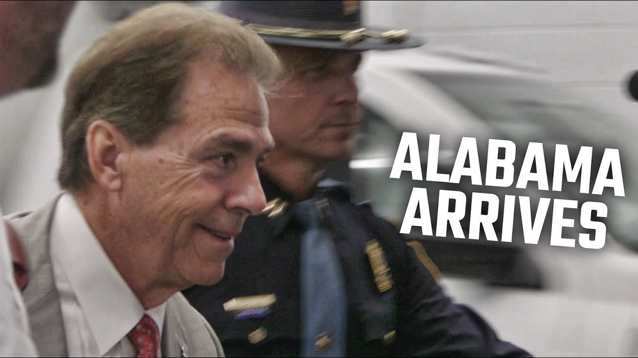 watch-nick-saban-and-alabama-arrive-in-atlanta-for-sec-championship