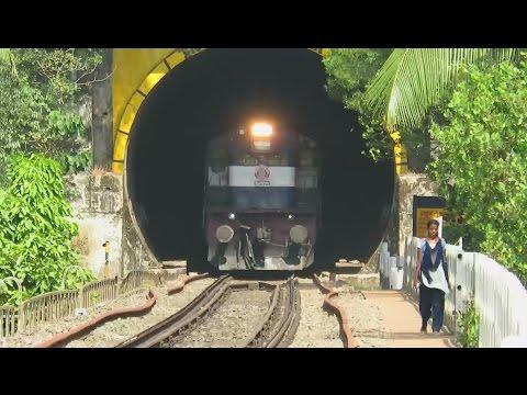 TASTE THE THUNDER : KONKAN RAILWAY : Mangalore Superfast Races Over Sharavathi River Bridge !!