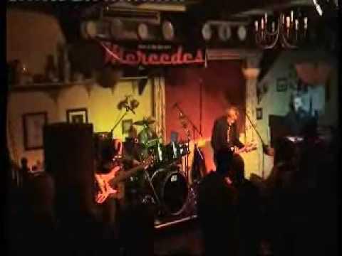 Mercedes the Band live Ship inn Elburton Plymouth 19 9 09 set1v2