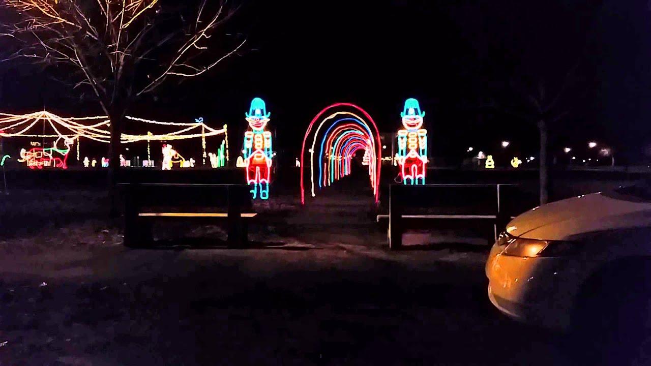 Christmas lights in Belpre - YouTube