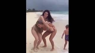 Лето !!! Пляж !!! Смешные и голые !!! Нарезка приколов На ПЛЯЖАХ )))