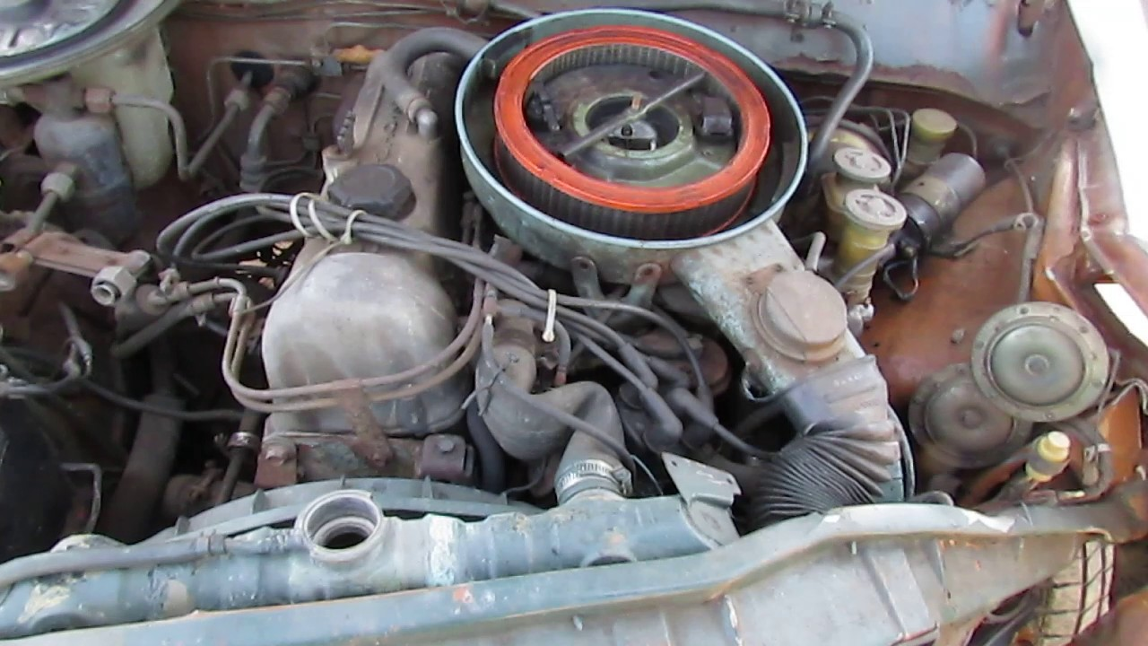 Junkyard Coldstart Datsun Pickup - YouTube