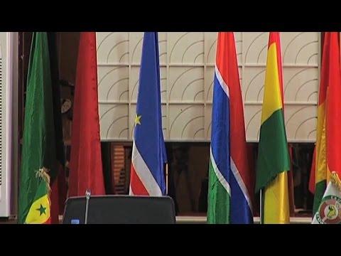 Togo, Le report de la présidentielle divise l'opposition