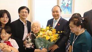 Tin Tức 24h Mới Nhất Hôm Nay : Thủ tướng Nguyễn Xuân Phúc thăm hỏi, chúc mừng các nhà giáo