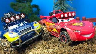 DISNEY PIXAR CARS LA SERIE TODOTERRENO BAJA MCQUEEN BLUE GRIT IDLE THREAT THE RADIATOR SPRINGS 500