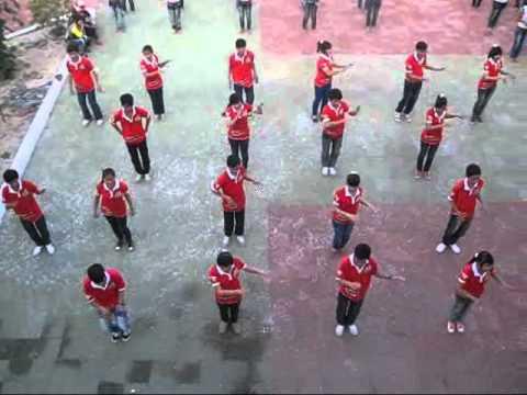 12a1 múa bài Con Nòng Nọc