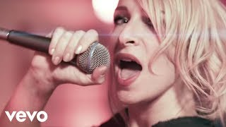 Watch Guano Apes Suzie video