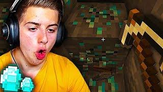 JE TROUVE MES PREMIERS DIAMANTS !!! (On découvre Minecraft !)