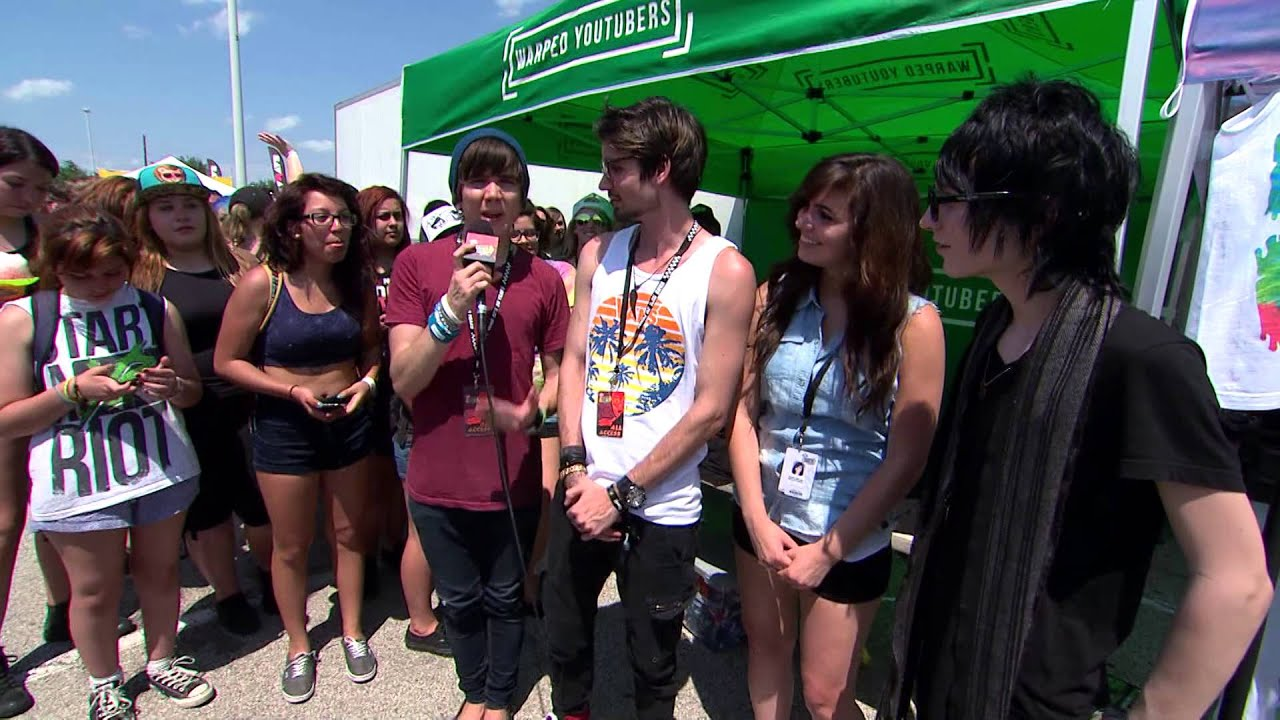 Meet up with youtubers live 2014 vans warped tour youtube m4hsunfo