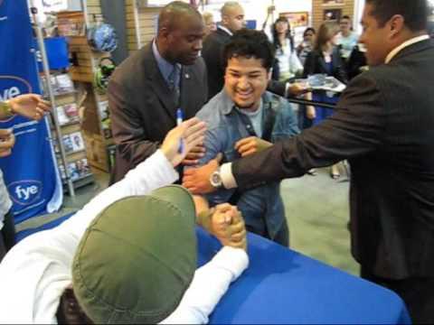 Enrique signing