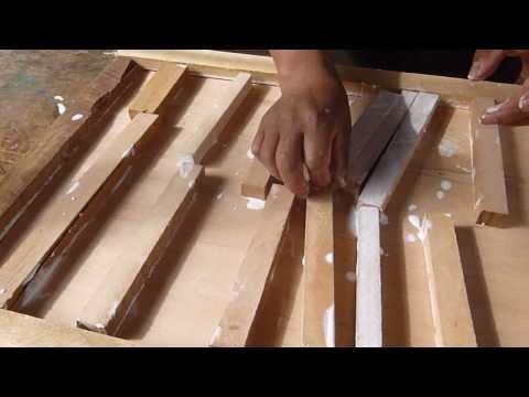 Celos as de madera doovi for Hacer una puerta corredera de madera