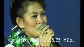 รัชนก ศรีโลพันธ์ เพลงเขียนฝันไว้ข้างฝา งานลูกทุ่งไทย เอฟ เอ็ม 2