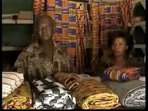 Marketing cloth in Ghana - Textiles in Ghana (16/16)