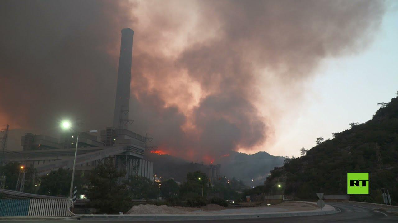 الحرائق تحاصر محطة للطاقة الحرارية بغرب تركيا