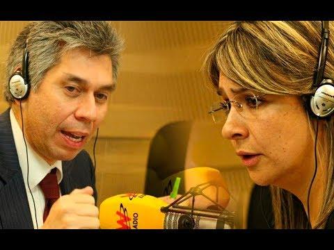 Daniel CORONELL en la W con VICKY DÁVILA / FUERTES críticas a URIBE