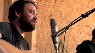 Frightened Rabbit - Backyard Skulls (Here Today Sessions)