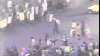 21 decembrie 1989: Ciocniri între manifestanţi şi forţele de ordine în Piaţa Universităţii