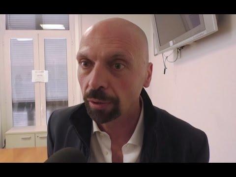 """""""Napoli fogna"""", il sindaco di Cantù arriva in città e chiede scusa ai napoletani (04.04.17)"""
