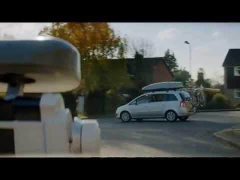 Telly Ad - Confused.com - Brian the Robot Follows The Family Around - Quick Quote