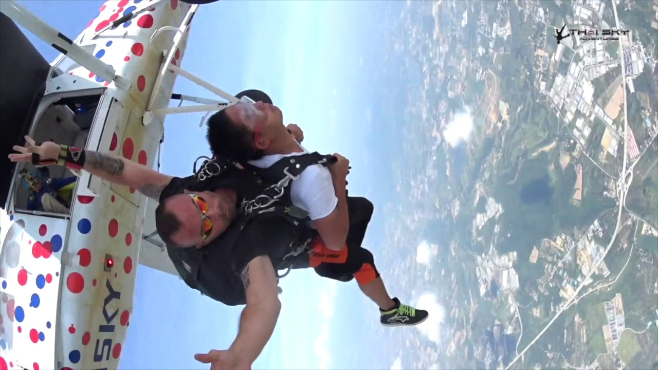 Skydiving online dating