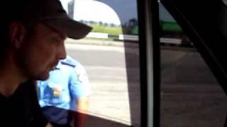 ГАИ. Инспектор-новатор1(16.08.2011. был остановлен перед г. Литин Винницкой обл. за превышение скорости на 15 км. Просто остановкой инспек..., 2011-08-18T08:04:20.000Z)