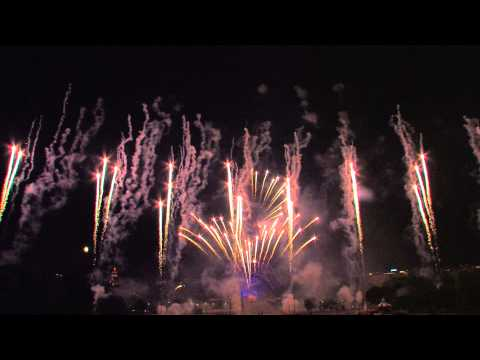 Paris 2014 Feu d'artifice - Tour Eiffel Quatorze Juillet Fireworks - 14 july