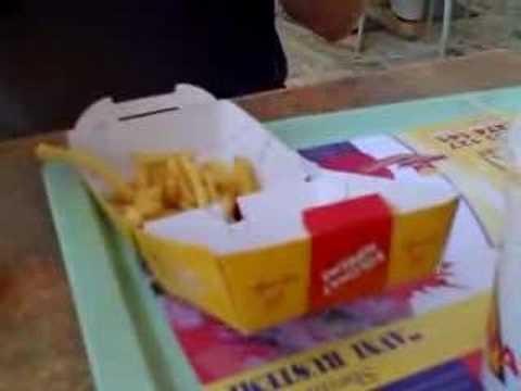 Kolonat Fast Food in Tirana