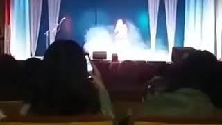 بالفيديو.. وفاة مطربة روسية على خشبة المسرح