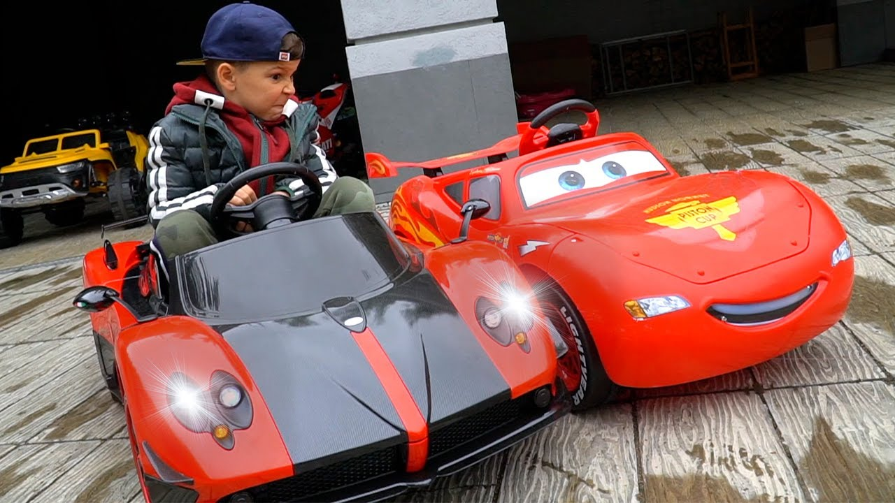 Artem plays toys and Best Videos about CAR RACING for Kids