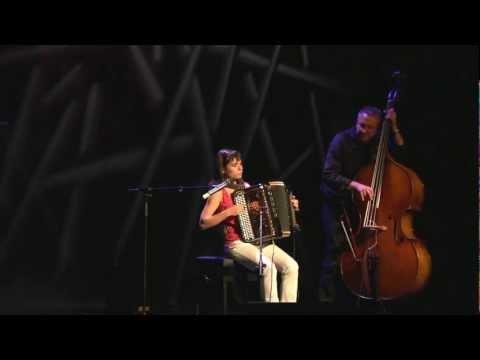 Julie Blocher - Bolero medley: rêves d`ados - Unr nuit avec toi - Seulement quelques notes