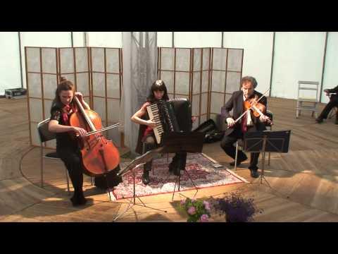 Stahlhammer Klezmer Classic Trio: Happy Nigun (trad klezmer)
