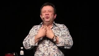 La dégustation - Ni dieux ni maîtres mais du ROUGE - Le Wine Man Show by Eric Boschman