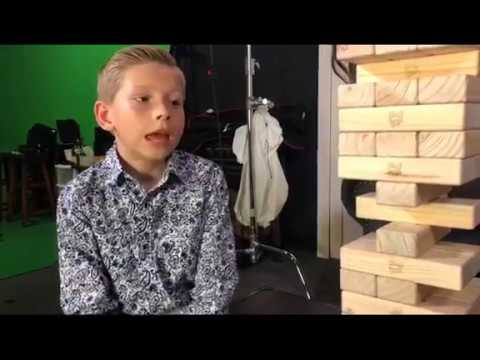 Mason Ramsey Playing Game Of Giant Jenga! Who Do You Think Is Gonna Win