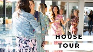 Gambar cover Gold Coast Airbnb House Tour | Anna Johnson-Hill