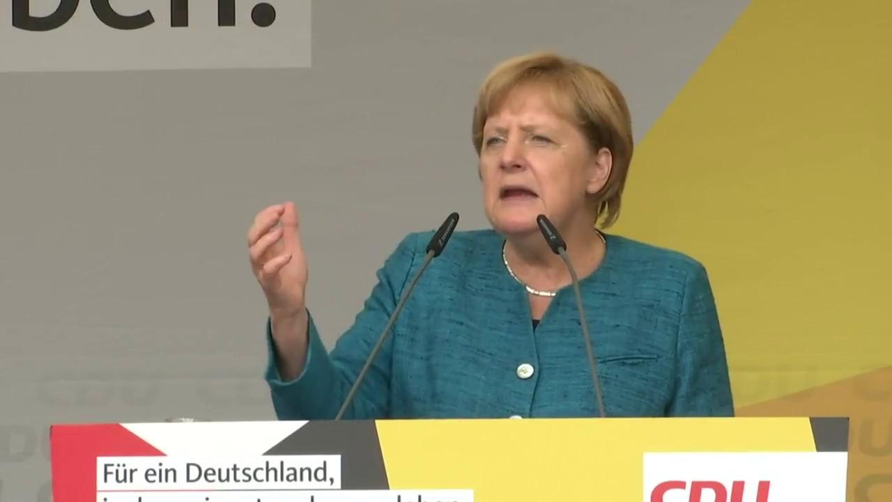 Merkelová byla opět na dalším volebním mítinku vypískána