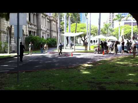 Hawaii Five-0: Behind the Scenes - Danno Pulls Up to H50 He