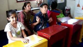 Training to parents of autistic child in mother child training.MOV